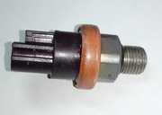 Дачтик давления масла ГУР  49761-7P900