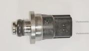 Датчик давления топлива MR578418
